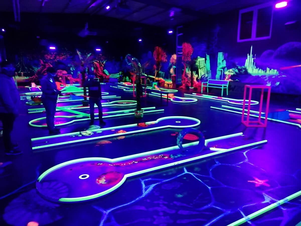 Neon Minigolf